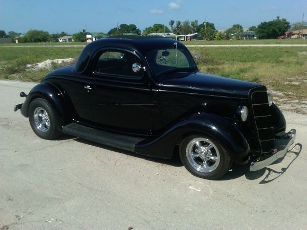 1935 Ford featuring Progressive Automotive chassis