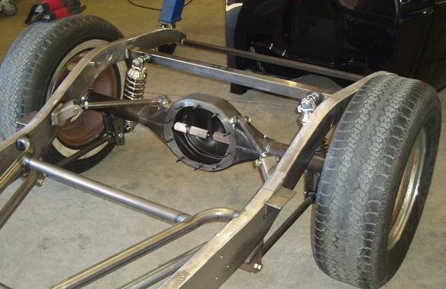 Triangulated 4 bar rear suspension