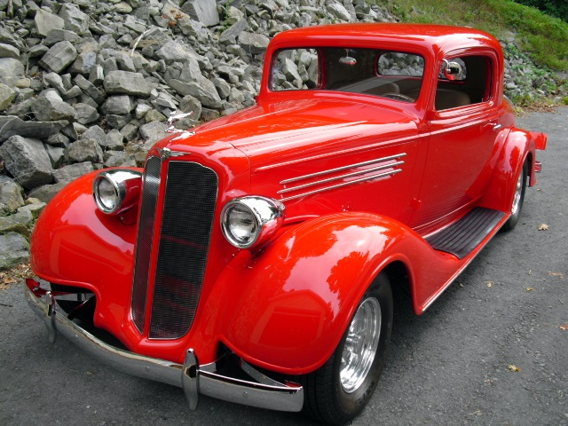 """Progressive Automotive custom 1935 Buick chassis upgrade with Tubular IFS & 9"""" Ford rear end"""